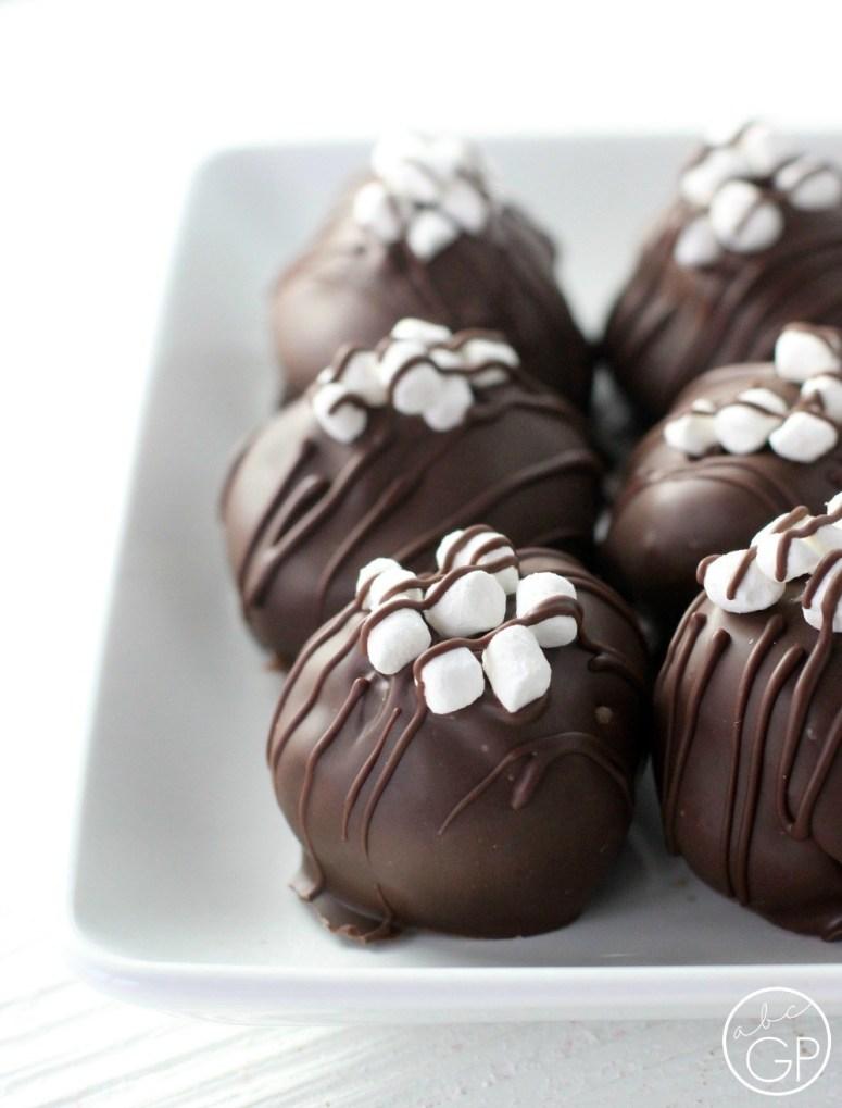 Chocolate-Cheesecake-Truffles.jpg